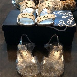 Toddler girls Oshkosh sandals and old Navy jellys